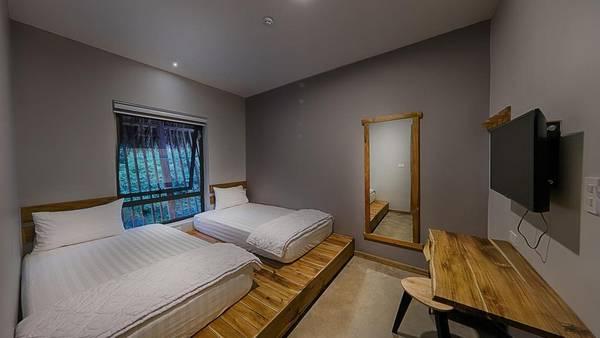 Ngoài ra, 9 Station còn có phòng 2 giường đơn dành cho 2 người