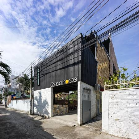 Ccasa-hostel-khach-san-container-doc-dao-dau-tien-o-nha-trang-ivivu-3