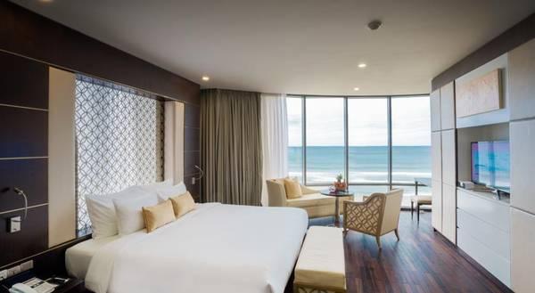 Phòng nghỉ view biển tuyệt đẹp tại khách sạn Holiday Beach Đà Nẵng.