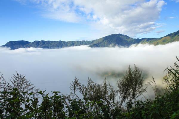 Vào những ngày đẹp trời, du khách có thể tha hồ di chuyển để ngắm nhìn các biển mây, đến 9 -10h sáng mà chưa tan.