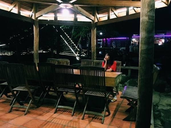Đêm ở Ma Rừng Lữ Quán tĩnh lặng và bình yên.