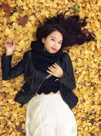 MC Bảo Linh quen thuộc với khán giả qua nhiều chương trình về mua sắm, làm đẹp. Do yêu cầu công việc kinh doanh, cô thường xuyên sang Hàn Quốc làm việc kết hợp với du lịch, trung bình mỗi tháng một lần, có tháng tới 2-3 lần.