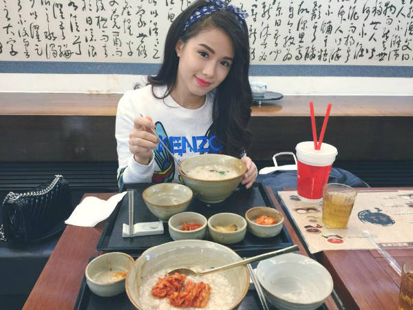 Bảo Linh cũng là một tín đồ của ẩm thực xứ sở kim chi, cô từng nếm qua rất nhiều món ngon trong nhiều chuyến hành trình.