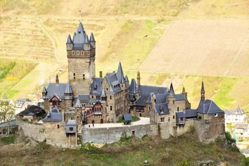 Pháo đài Carcassonne nhìn từ trên cao