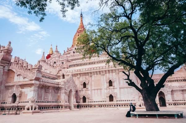 Ananda - Ngôi đền đẹp nhất, rộng nhất và linh thiêng bậc nhất tại Old Bagan
