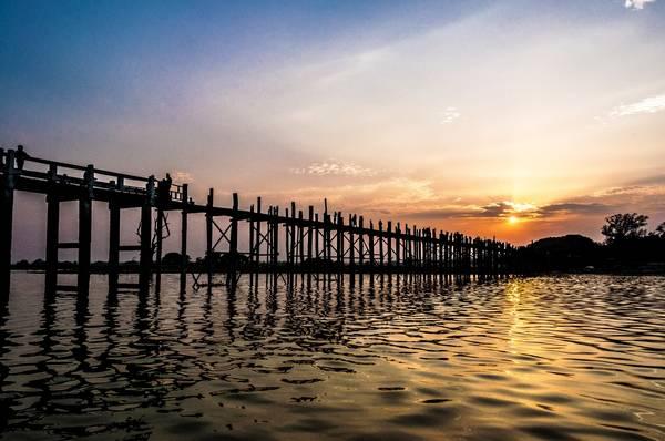 Cây cầu gỗ Ubein dài 1,2 km