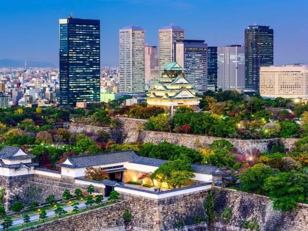 Osaka, Nhật Bản: Theo MasterCard Global Destinations Cities Index, Osaka là thành phố phát triển nhất thế giới xét về lượng khách du lịch. Thành phố hấp dẫn du khách ở sự hài hoà giữa cổ kính và hiện đại, giữa những toà cao ốc và những lâu đài có từ thế kỷ 16. Ảnh: Sean Pavon/ iStock.