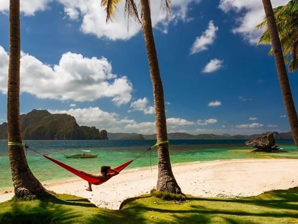 Đảo Palawan, Philippines: Hòn đảo có những bãi biển cát trắng đẹp nhất thế giới không còn xa lạ gì với độc giả trên Instagram. Ảnh: Rad Radu/ Shutterstock.