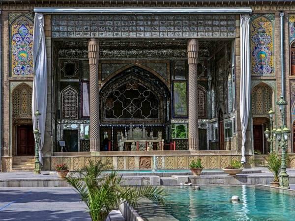 Iran: Nằm trong khu vực của nền văn minh Lưỡng Hà, trước kia là Đế quốc Ba Tư hùng mạnh, là điểm đến trên con đường tơ lụa từ phương Đông , Iran sở hữu nhiều di sản vô giá. Ảnh: Nina Ra/ Flicker.