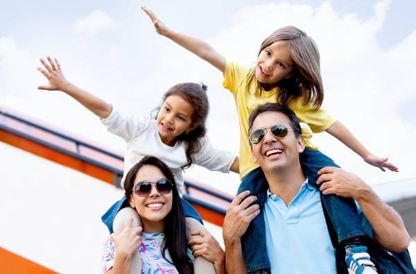 Du lịch với trẻ nhỏ có khó khăn? - Ảnh: Vince Mazzie Travel