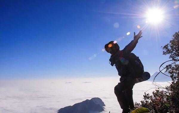 Biển mây Núi Muối đẹp mê hồn. - Ảnh: Núi Muối Bạch Mộc Lương Tử