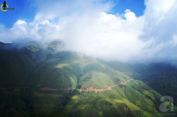 Tháng 11, khi những cơn gió mùa Đông Bắc đầu tiên tràn xuống các tỉnh miền núi phía Bắc, cũng là thời điểm đẹp nhất để đến Háng Đồng.