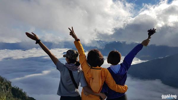 Biển mây trên đỉnh Lảo Thẩn - Ảnh: Lê Hồng Thái