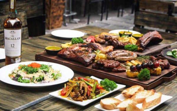 6-dia-chi-buffet-ngon-day-dan-gia-duoi-350-nghin-de-tu-tap-cuoi-nam-o-ha-noi-ivivu-10
