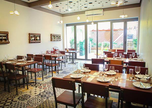 6-dia-chi-buffet-ngon-day-dan-gia-duoi-350-nghin-de-tu-tap-cuoi-nam-o-ha-noi-ivivu-12