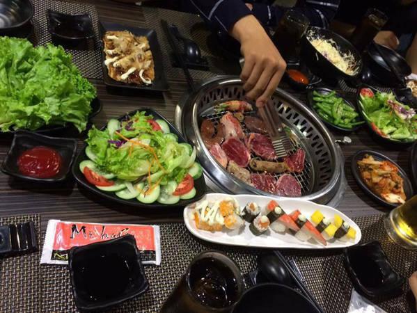 6-dia-chi-buffet-ngon-day-dan-gia-duoi-350-nghin-de-tu-tap-cuoi-nam-o-ha-noi-ivivu-16