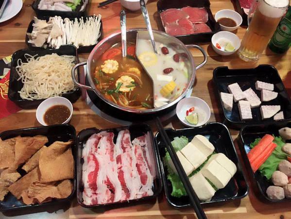 6-dia-chi-buffet-ngon-day-dan-gia-duoi-350-nghin-de-tu-tap-cuoi-nam-o-ha-noi-ivivu-6