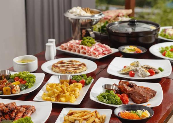 6-dia-chi-buffet-ngon-day-dan-gia-duoi-350-nghin-de-tu-tap-cuoi-nam-o-ha-noi-ivivu-9