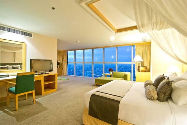 Phòng nghỉ sang trọng với view đẹp, giúp du khách thỏa thích ngắm Bangkok từ trên cao.