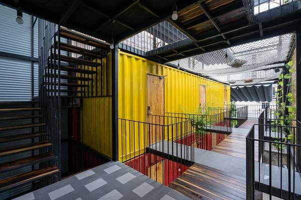 Ccasa-hostel-khach-san-container-doc-dao-dau-tien-o-nha-trang-ivivu-1