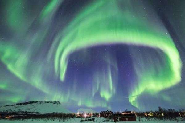Hình ảnh bắc cực quang làm say lòng bao du khách