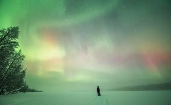 Du khách lặng người ngắm bắc cực quang