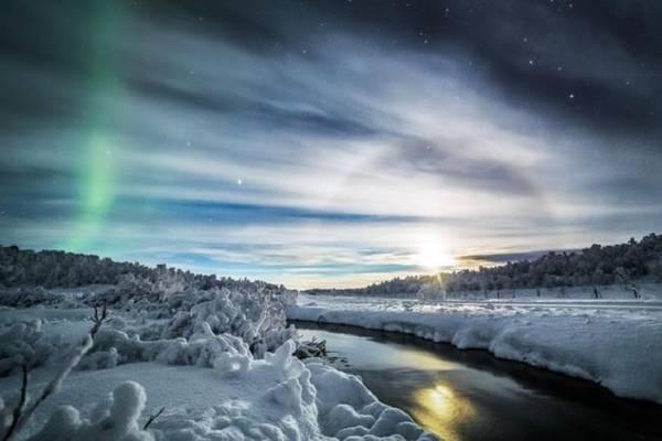 Rải rác khắp Lapland là các sông, hồ và rừng