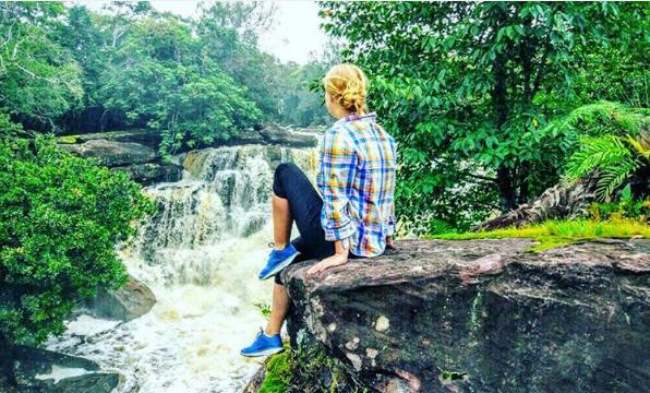 Thuộc vùng cao nguyên Bokor, du khách đừng quên ghé thăm và khám phá thác nước Popokvil. Thác Popokvil nằm giữa thiên nhiên, gồm có 2 tầng thác nước, xung quanh là cây cỏ xanh tươi, tạo nên một bức tranh sơn thủy tuyệt đẹp. Vào mùa mưa từ tháng 5 đến tháng 10 là thời điểm lý tưởng để du khách ngắm cảnh thác vào lúc đẹp nhất và thỏa thích tắm mát. Ảnh:@gaeva_ekaterina