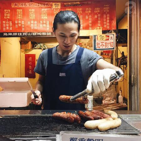 Ngoài ra bạn có thể xuống khu Foodcourt gần Taipei 101 để ăn tối, có cực kì nhiều món hấp dẫn chờ bạn khám phá.