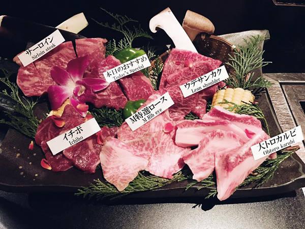 Cô nàng cũng không tiếc lời ngợi khen với những món ăn khác như thịt bò, mì ramen, cá ngừ...