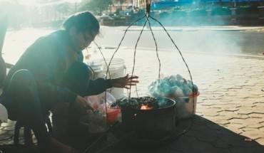 hai-san-nuong-ban-rong-tren-bo-bien-phan-thiet-ivivu-1