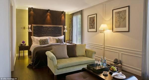Một phòng đôi ở khách sạn có 23 phòng này có giá từ 507 USD một đêm, bao gồm bữa sáng. Không ít người cho rằng giá phong như vậy hơi cao, nhưng cũng nhiều người cho biết đó là mức giá hợp lý ở một nơi tuyệt đẹp như vậy. Ảnh:Villa Honegg.
