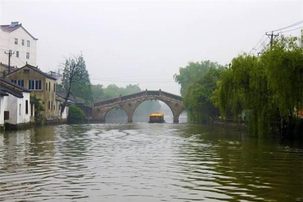 Kênh Đại Vận Hà được Minh Thành Tổ cho tu sửa và xây dựng lại vào những năm 1411-1415.