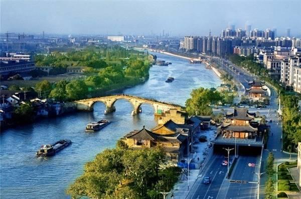 Kênh đào này là huyết mạch chính để vận chuyển lương thực từ lưu vực sông Dương Tử tới Bắc Kinh.