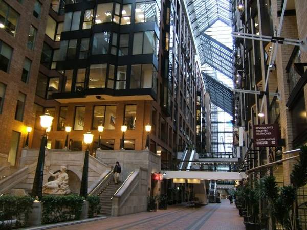 Một góc thành phố ngầm RESO - Ảnh: city-data