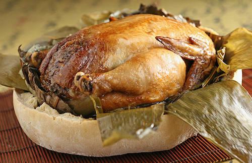 Món gà thơm mềm nhờ nước không bị mất đi trong quá trình chế biến. Ảnh: Mrr. Wok.