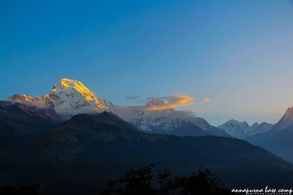 Một trong những kỷ niệm mà Tuân nhớ nhất là buổi sáng chinh phục Poon Hill để ngắm bình minh trên dãy Annapurna Base Camp.