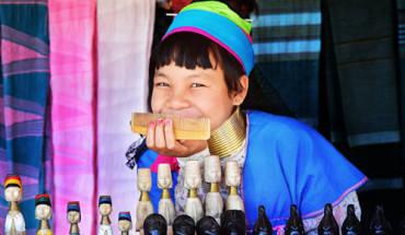 nhung-phu-nu-huou-cao-co-o-myanmar-ivivu-1