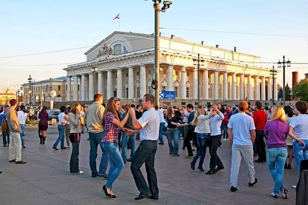 Vui cùng âm nhạc trong lễ hội Những đêm trắng ở St Petersburg - Ảnh: wp