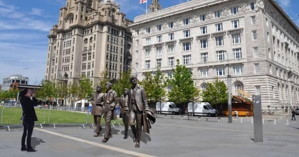 Tượng ban nhạc The Beatles trên đường phố Liverpool - Ảnh: liverpoolecho.co.uk