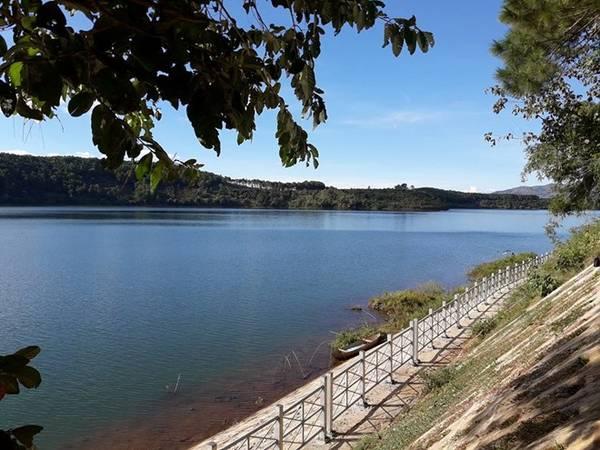 Hồ T'Nưng hay còn được gọi là Biển Hồ, hồ Ea Nueng, cách trung tâm TP.Pleiku (Gia Lai) khoảng 7 km. Hồ T'Nưng có nghĩa là hồ trên núi. Ảnh: Facebook Trinhnguyenbinh.