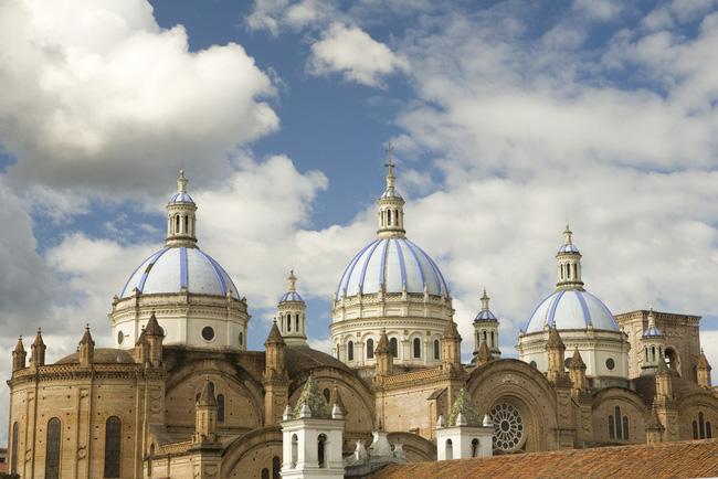 Trung tâm lịch sử Cuenca là một di sản văn hóa khác của Ecuador được UNESCO công nhận. Các thị trấn ở đây vẫn tuân thủ các hướng dẫn quy hoạch đô thị nghiêm ngặt được đề ra từ năm 1557.