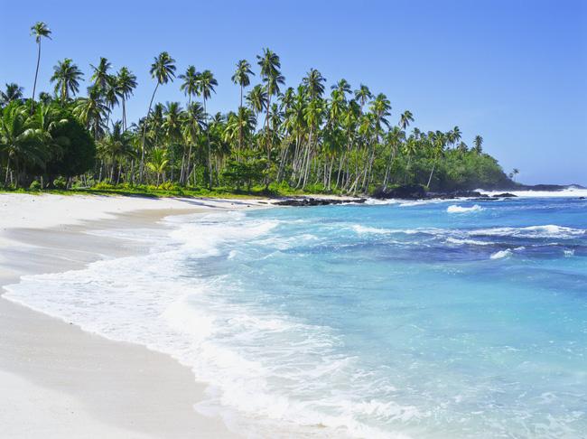 Đảo Upolu sở hữu rất nhiều khách sạn và nhà nghỉ sinh thái hướng về phía biển, tạo một không gian tuyệt vời cho du khách tận hưởng tối đa những giây phút thư giãn.