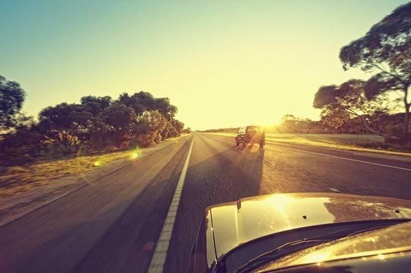 Roadtrip tại Mỹ: Nếu có cơ hội đến Mỹ, bạn đừng quên thực hiện một chuyến road trip qua các công viên quốc gia và các bang của nước Mỹ. Đây sẽ là một trải nghiệm không thể quên.