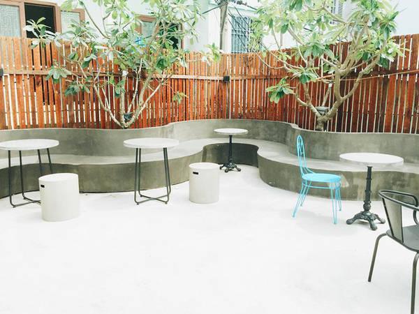 4-quan-cafe-cuc-chat-de-ban-tha-ho-dien-sau-tai-da-nang-ivivu-2