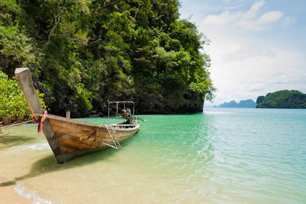 Để đến Koh Yao, bạn nên bay đến Krabi rồi bắt phà trực tiếp đến đảo.