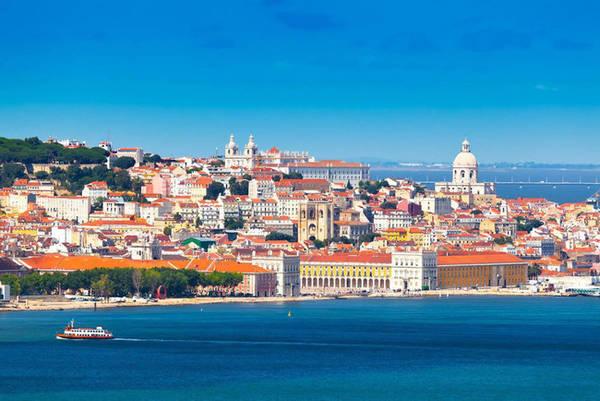 Lisbon được coi là thành phố của nước, khí hậu quanh năm dễ chịu, mát mẻ.