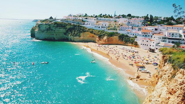 Bãi biển Lagos cát trắng mịn ở Algarve