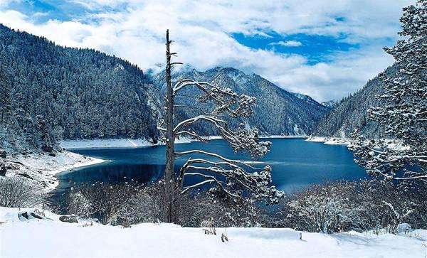 Trường Hải là hồ dài nhất, sâu nhất và cao nhất trong số các hồ của khu thắng cảnh này. Ảnh: The Star.