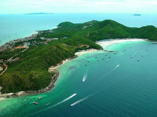 Đảo Kor Larn được mệnh danh là thiên đường của những bãi tắm. Ảnh: monellipattaya.com